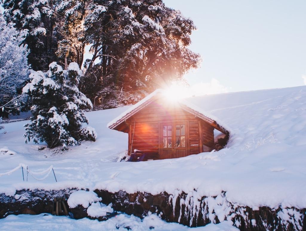 Wer als Camper gerne mal im Winter unterwegs ist oder gar als Dauercamper durchgeht, dem dürfte an einer sicheren und komfortablen Gasversorgung gelegen sein. Ein Gastank im Wohnmobil macht´s möglich - am besten mit Armaturen aus der Caramatic-Serie von GOK.
