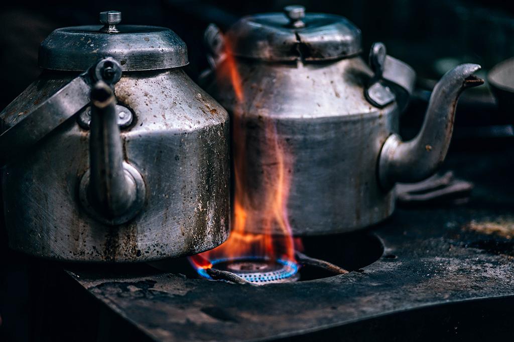 Achten Sie bereits vor dem Kauf des Gasherds darauf, welche Düsen eingebaut sind. Sollten Sie andere benötigen, fragen Sie am besten direkt den Hersteller nach passenden. Das erspart viel Ärger.