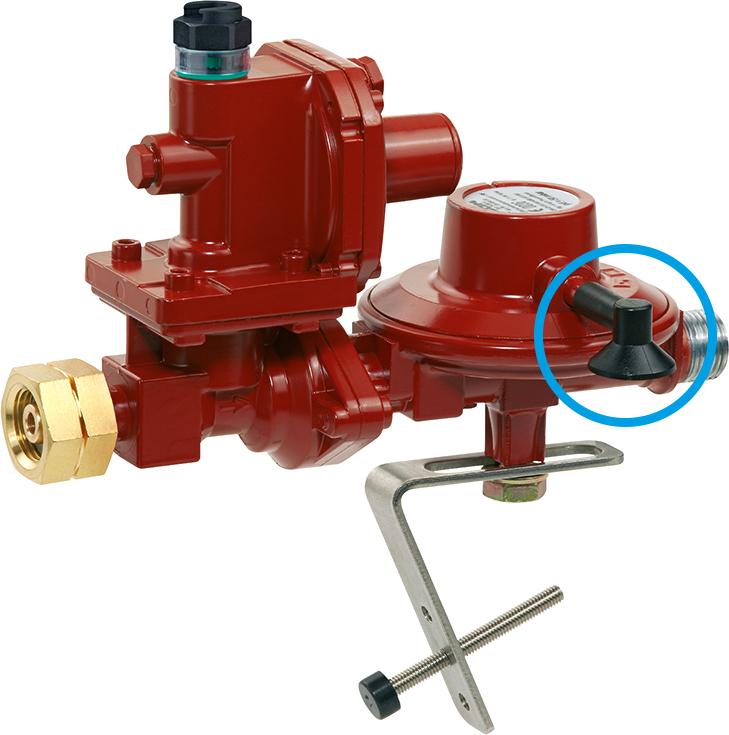 Hierbei handelt es sich um einen Druckregler, der an 33 Kilogramm-Gasflaschen angeschlossen wird. Der Druckminderer regelt in einer Stufe und demzufolge ein PRV sowie eine Insektenschutzvorrichtung auf der Atmungsöffnung.